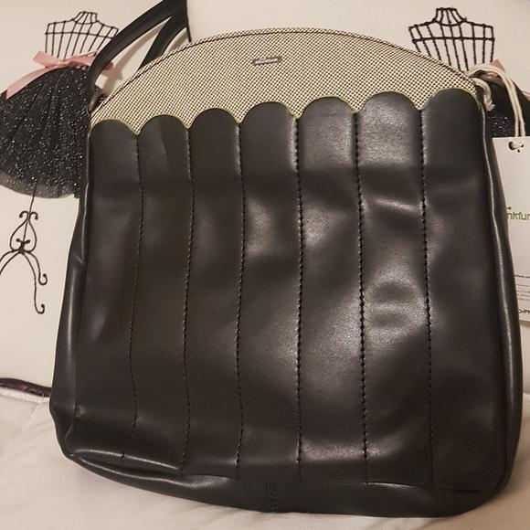 Beautiful  skunkfunk bag .  Organic fashion